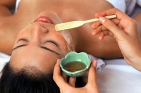Медовий масаж обличчя
